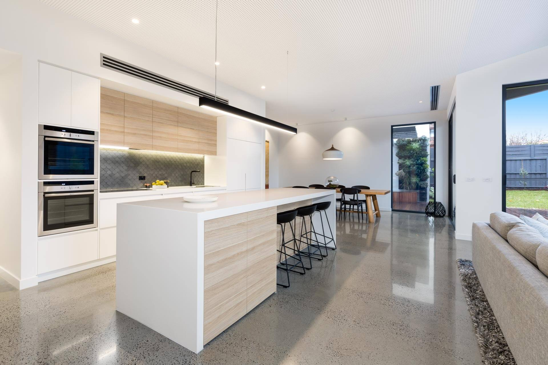 rtp-lifestyle-photography-mesh-design-kew-home-kitchen-cabinetry-island-tiling-sink-pendant-light