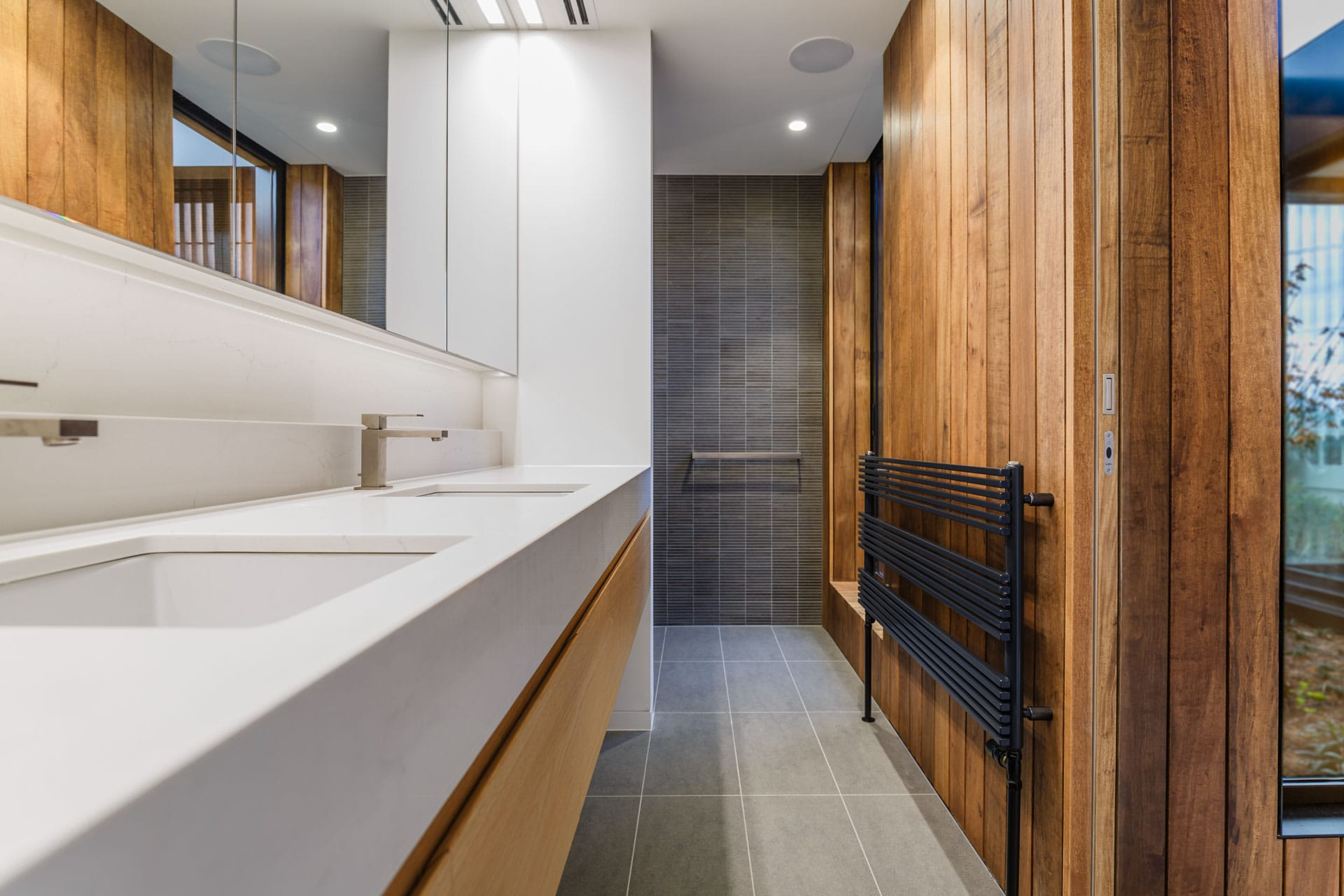 rtp-product-photography-h2o-hydronic-heating-wall-radiator-kew-house