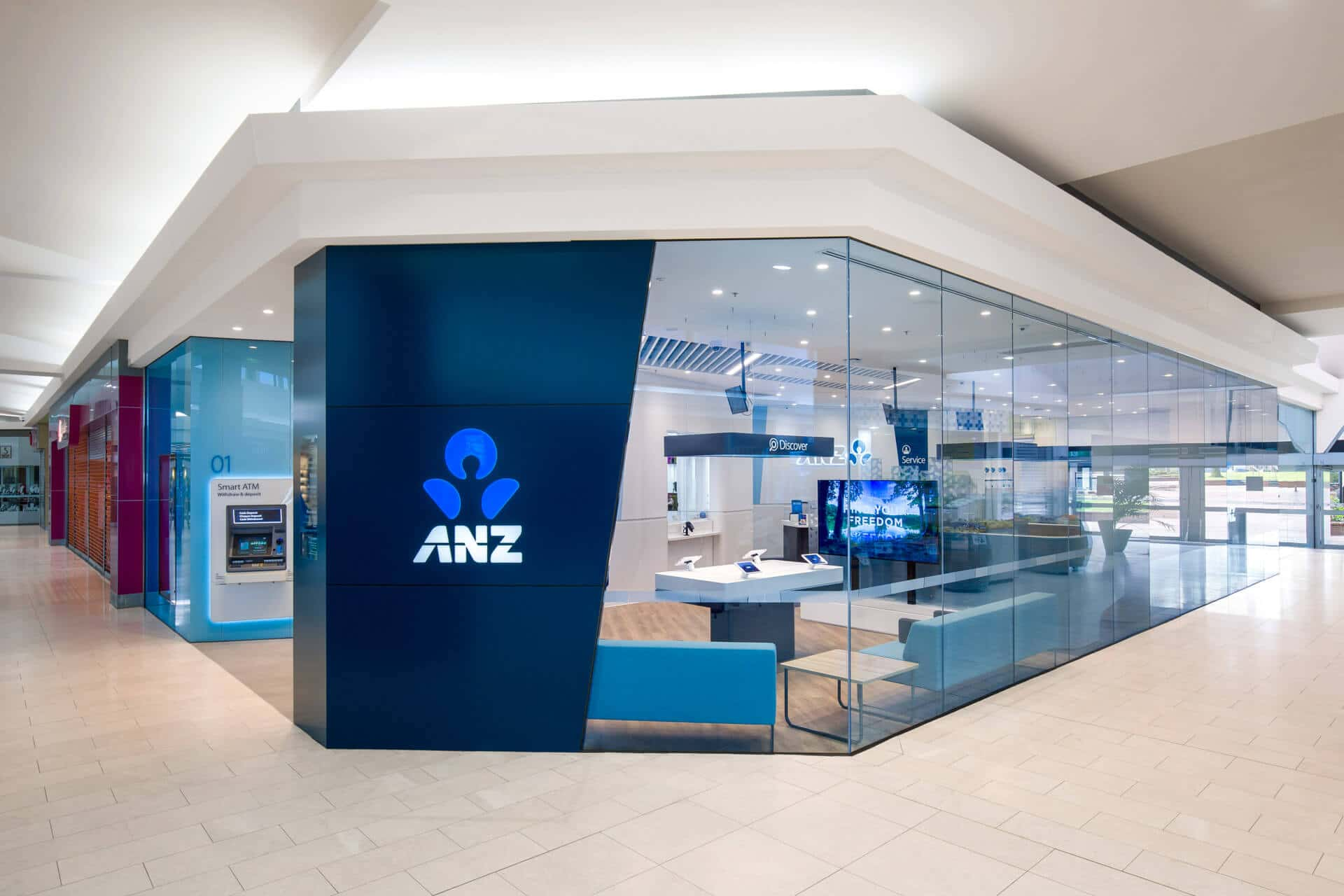 rtp-retail-architectural-photography-anz-bank-adherettes-signage-cranbourne-shopping-centre-store-internal-cashier-help-desk